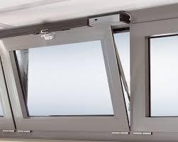 Ventana Abatible al interior con sistema apertura motorizado GU